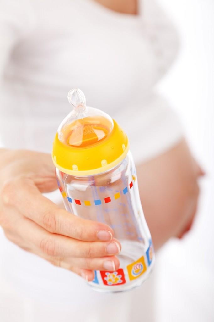 新生児におすすめの哺乳瓶は?妊娠中に買っておきたい2つの哺乳瓶